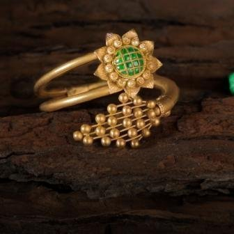 https://pateljewellers.in/Bracelet-Green