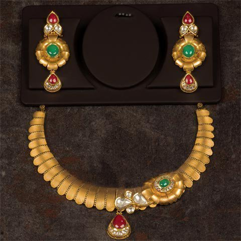 http://pateljewellers.in/Nacklace-4